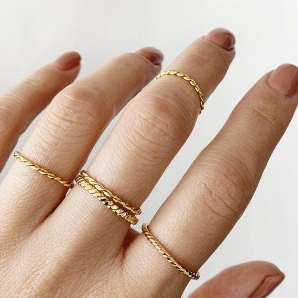 inel din argint placat cu aur model rasucit